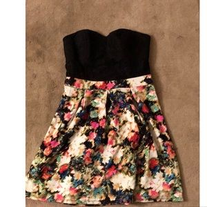 NWOT Strapless floral dress with black lacy bust